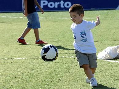 Escola de Futebol Dragon Force vai receber certificação de qualidade ... 9345288d3d35b