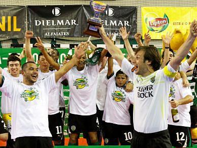 Sporting é bi-campeão de futsal - Futsal - SAPO Desporto 13511f4f30d78