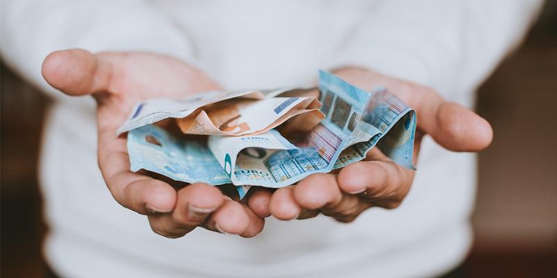 Aprenda a poupar com estas dicas de milionários - Dinheiro e ... 55517317a0