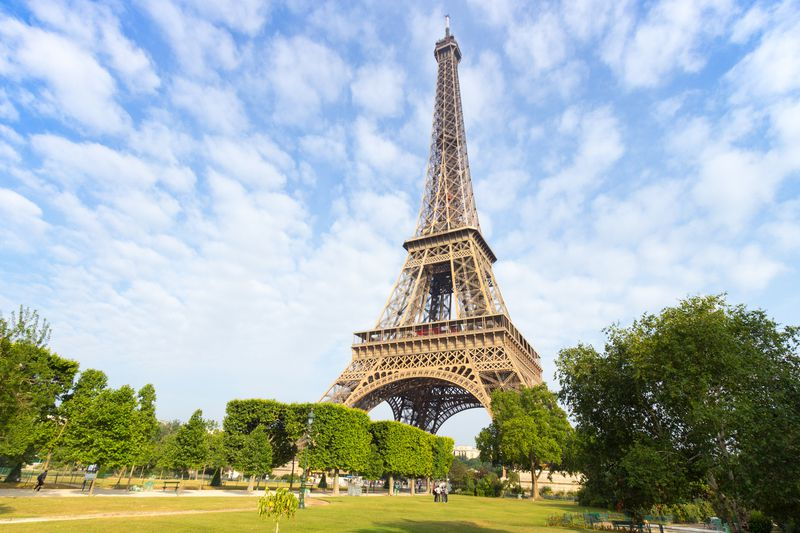 Torre Eiffel, Paris • © VanderWolf Images | Dreamstime.com • © VanderWolf Images | Dreamstime.com
