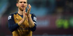 A homenagem sentida de Mertesacker a Robert Enke