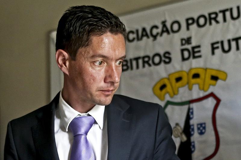 b40fa87e4abb8 Benfica sente-se prejudicado e quer reunião de urgência com o Conselho de  Arbitragem