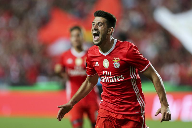 Benfica vs Braga • Benfica´s Pizzi celebrates after scoring a goal against Braga during the Portuguese First League Soccer match held at Luz stadium in Lisbon, Portugal, 19 September 2016. MIGUEL A. LOPES/LUSA • Lusa