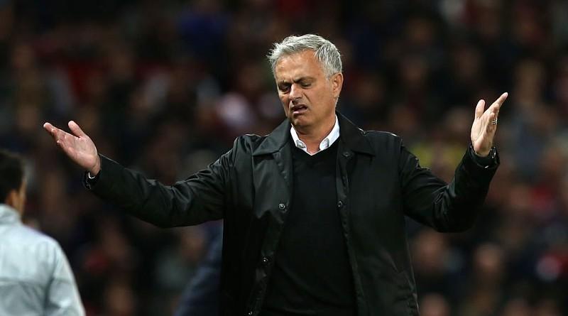 Mourinho exige respeito e abandona sala de imprensa após ser goleado em casa