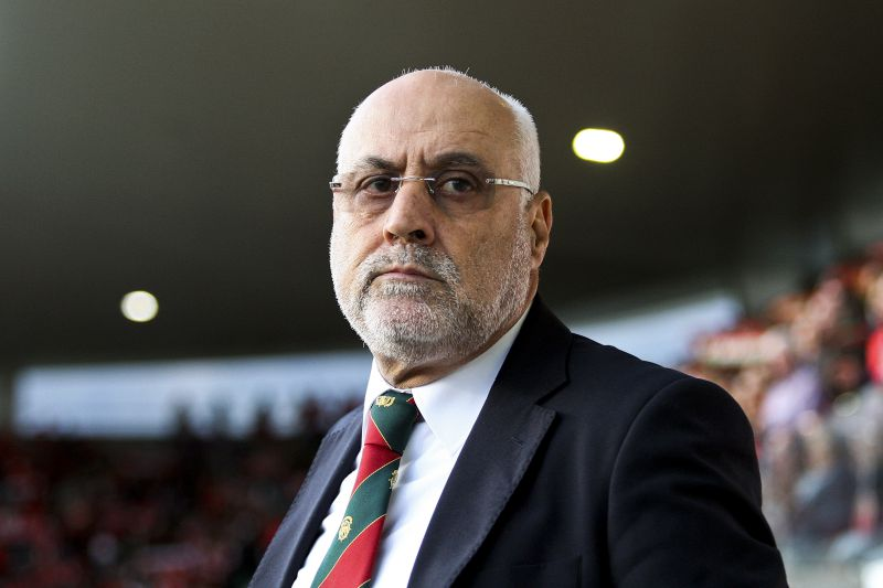 Maritimo coach Nelo Vingada during their Portuguese First League soccer match against Benfica held at Maritimo Stadium, in Funchal, Madeira Island, Portugal, 8 May 2016. HOMEM DE GOUVEIA / LUSA