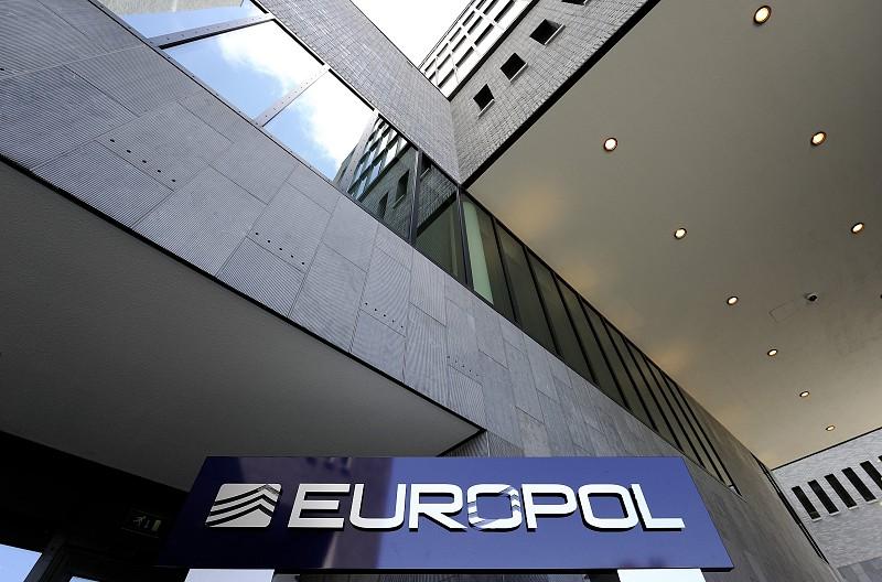 Resultado de imagem para Europol alerta para nível inimaginável da exploração sexual infantil na internet