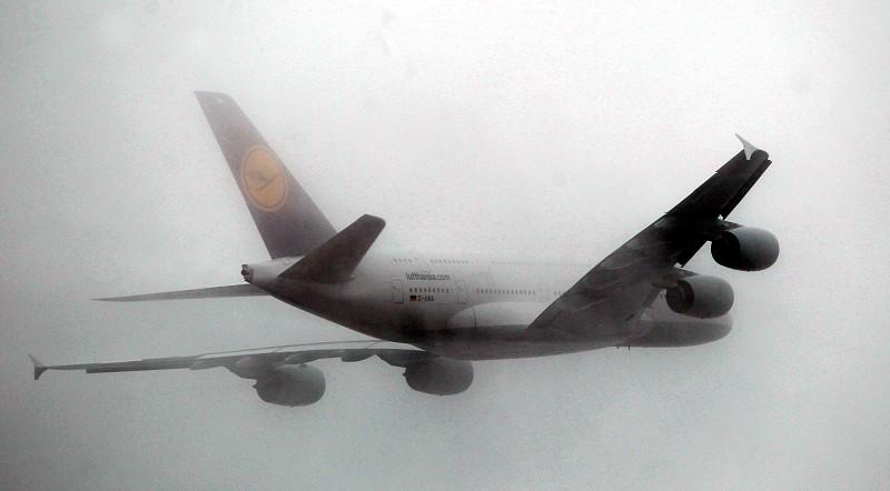 Bélgica quer que Europa aplique imposto sobre viagens de avião