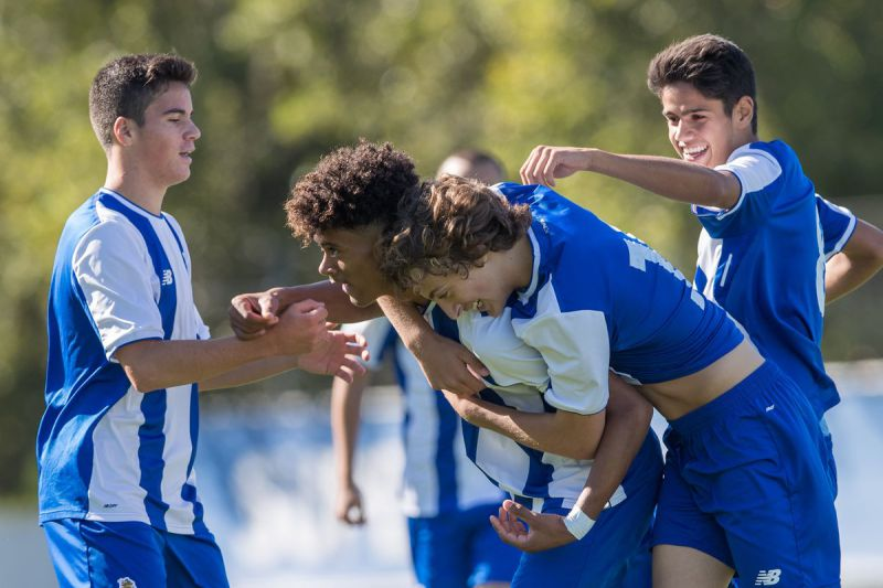 Sporting e FC Porto empatam 3-3 no arranque da fase final do Nacional de sub-17