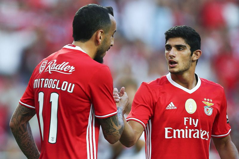 Benfica vs Torino • Benfica's Goncalo Guedes (R) celebrates with his teammate Mitroglou after scoring a goal against Torino during the Eusebio Cup game at Luz Stadium, in Lisbon, Portugal, 27 July 2016. MARIO CRUZ/LUSA • Lusa