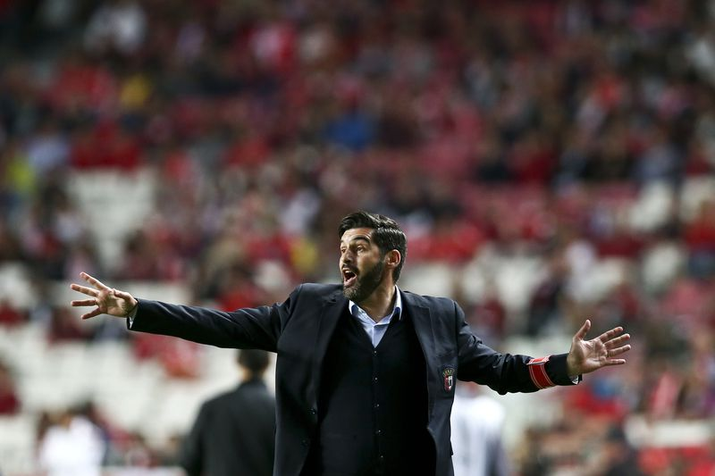 cdf82359441867112a99a797887e9b6bd27598bf.jpg • SC Braga´s head coach Paulo Fonseca reacts during the Portuguese League Cup semifinal match against SL Benfica at Luz Stadium in Lisbon, Portugal, 02 May 2016. ANTONIO COTRIM/LUSA • © 2016 LUSA - Agência de Notícias de Portugal, S.A.
