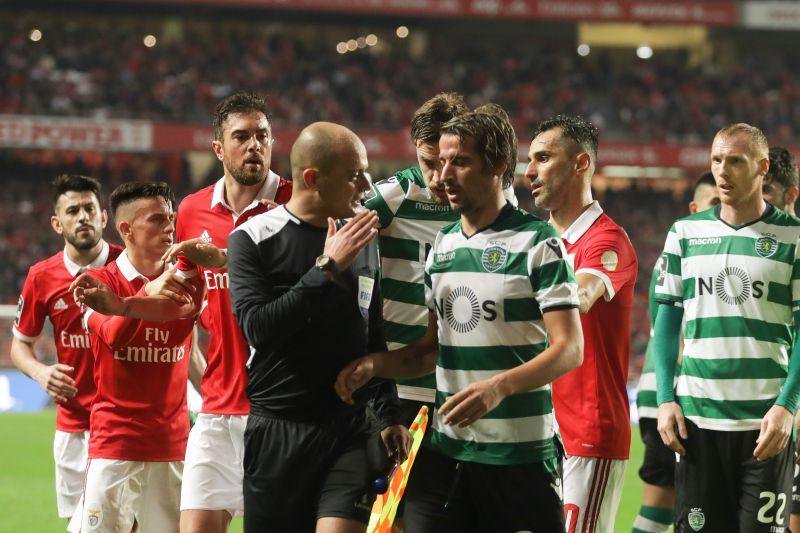 Sporting vs Benfica num dérbi de milhões. Nunca o 2.º lugar foi tão ... ad7918c8c0bd8