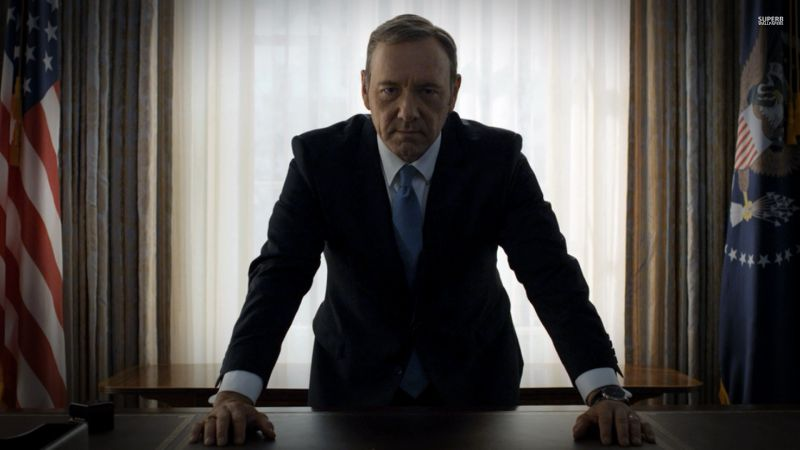 Kevin Spacey vai ser acusado por agressão sexual e regressa desafiador como Frank Underwood em novo vídeo