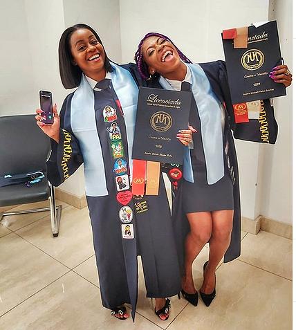Afrikanas celebram licenciatura de Serafina Sanches e Jandira Padre