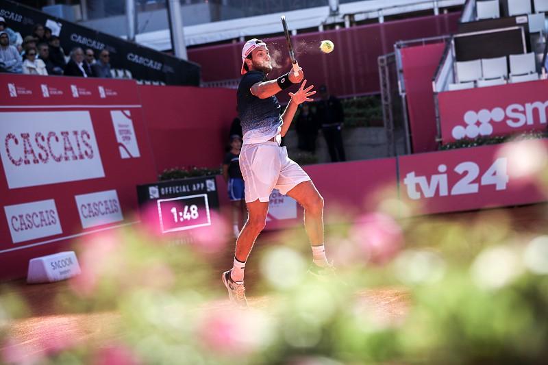 63b4182384a Estoril Open  João Sousa joga hoje acesso aos quartos de final ...