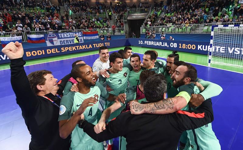 Já está. Portugal vence Rússia e está na final do Europeu de futsal ... 96a0b985e70d1