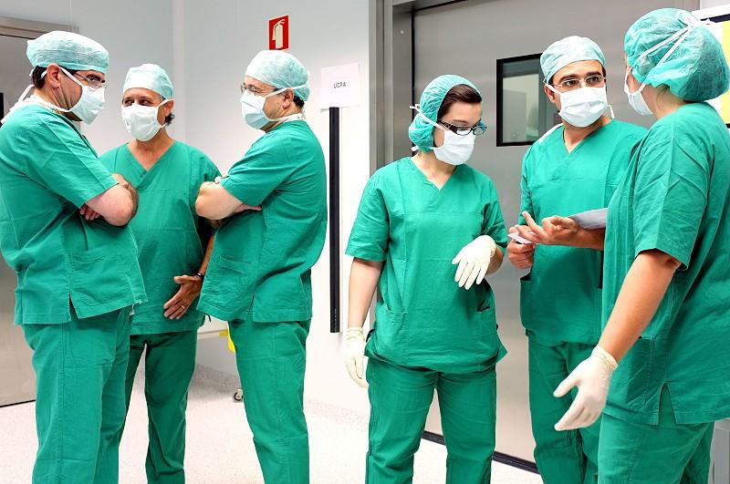 Resultado de imagem para Médicos começaram hoje greve nacional de três dias