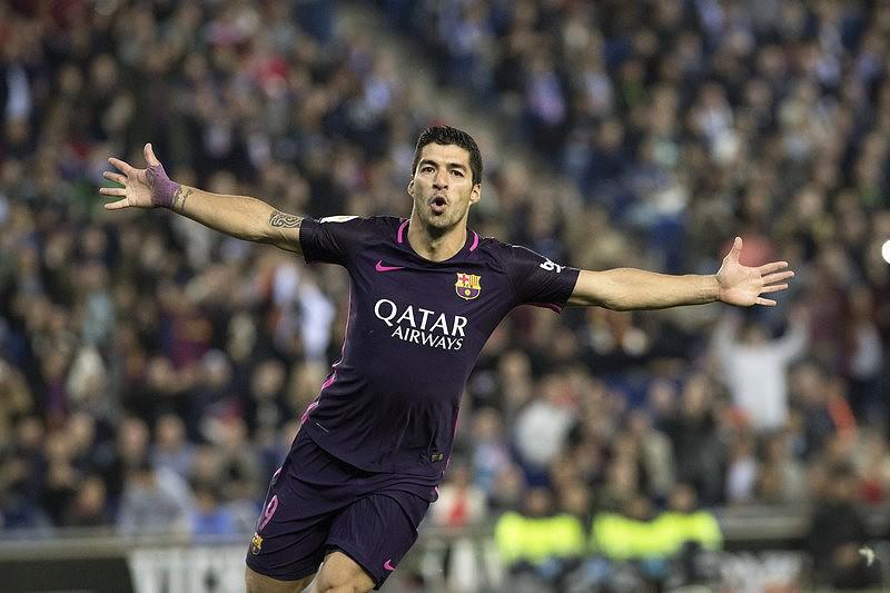 Barcelona vence Espanhol e voltar a encostar no Real Madrid - La ... 2447975a994ce