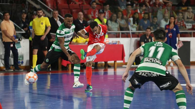 Futsal  Benfica vence dérbi e põe fim a registo histórico do Sporting 004645f1a2960