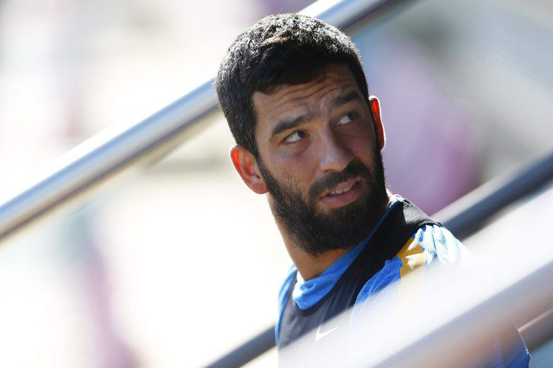 FC Barcelona training • epa04948250 FC Barcelona's Turkish forward Arda Turan attends his team's training session at Joan Gamper sports city in Sant Joan Despi near Barcelona, Spain, 25 September 2015. FC Barcelona will face UD Las Palmas in the Spanish Primera Division soccer match on 26 September 2015.  EPA/ALEJANDRO GARCIA • Lusa