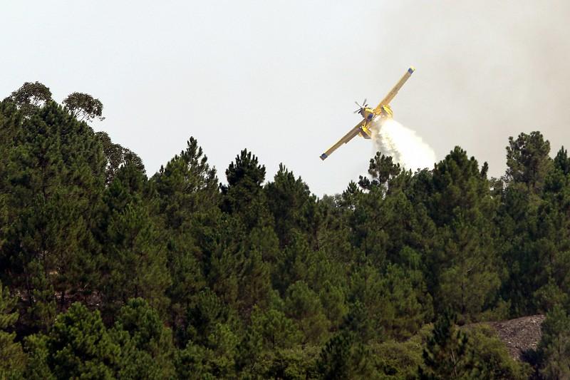 Incêndios. Fogo em Monchique obriga a retirar pessoas do sítio das Taipas 55cc301633976
