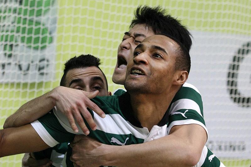 Sporting goleia Fundão por 1-6 - Futsal - SAPO Desporto 9cd2672860f7a