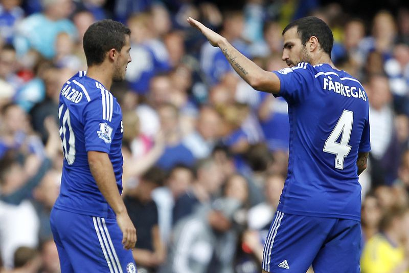Hazard e Fàbregas • IAN KINGTON / AFP