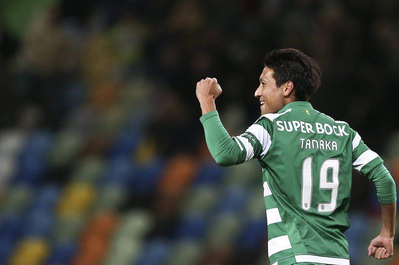 Sporting vs Rio Ave • epa04567633 Sporting's Japanese player Junya Tanaka celebrates after scoring against Rio Ave during thE Portuguese First League soccer match between Sporting Lisbon and Rio Ave at the Jose Alvalade Stadium, in Lisbon, Portugal, 18 January 2015.  EPA/TIAGO PETINGA