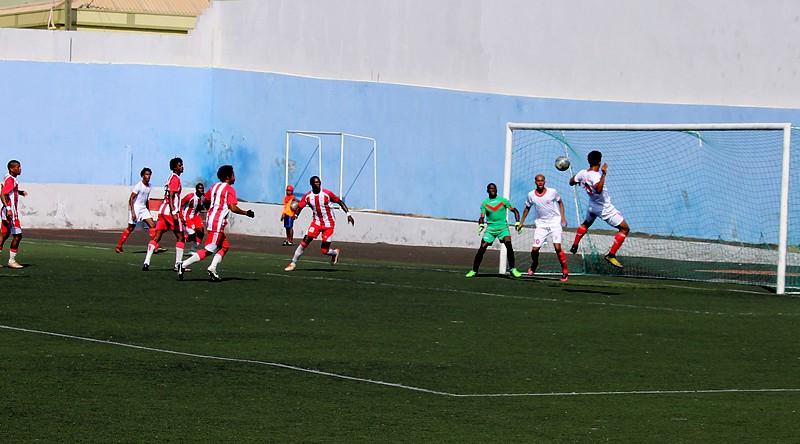 Futebol Cabo Verde  Académica–Vulcânico na 1.ª jornada do regional ... 8165d0e081a8f