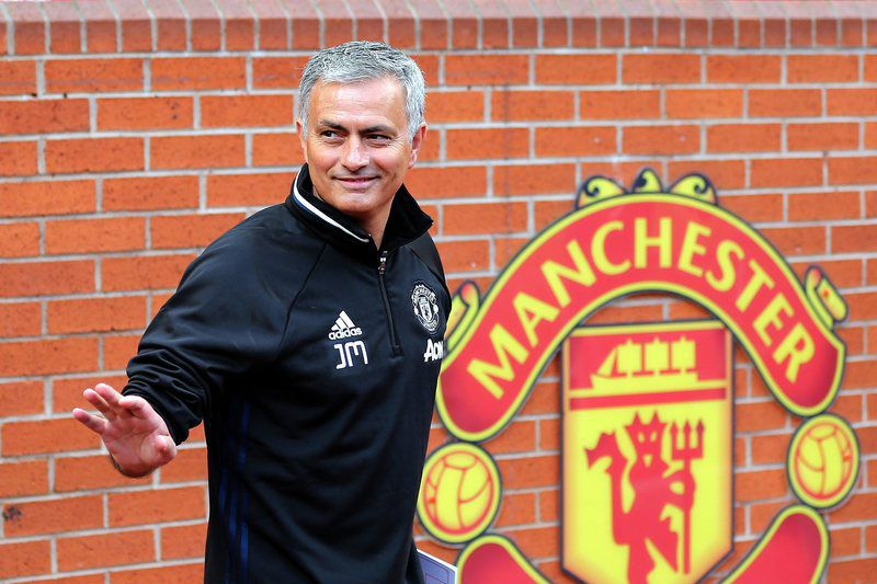 Manchester united press conference • epa05408546 Manchester United's new manager Jose Mourinho poses for pictures during a media conference at Old Trafford Stadium in Manchester, Britain, 05 July 2016.  EPA/NIGEL RODDIS • Lusa