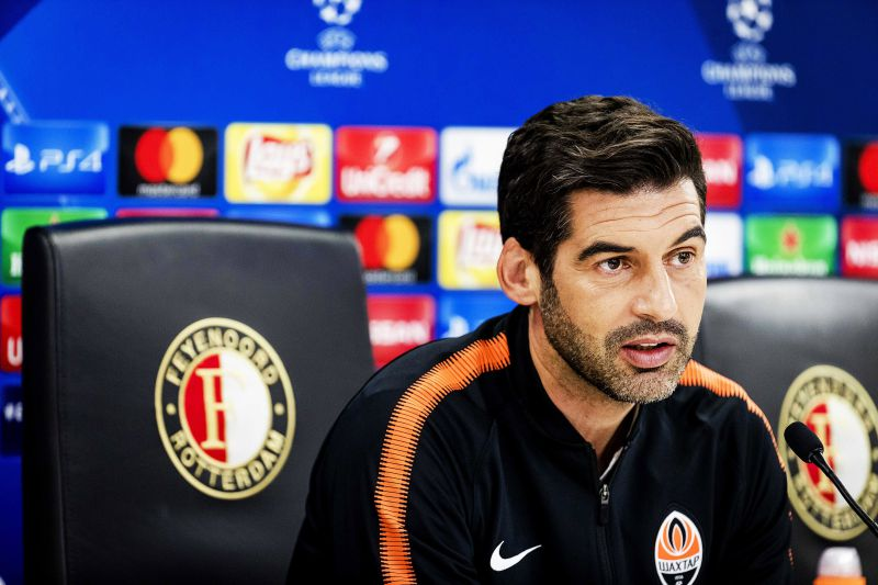 epa06269785 Shakhtar Donetsk's Portuguese head coach Paulo Fonseca speaks during a press conference in Rotterdam, Netherlands, 16 October 2017. FC Shakhtar Donetsk will face Feyenoord Rotterdam in the UEFA Champions League group F soccer match on 17 October 2017.  EPA/ROBIN VAN LONKHUIJSEN