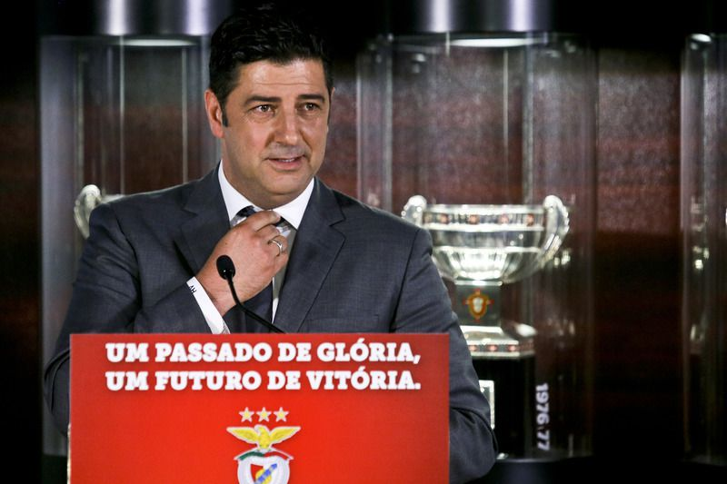 Rui Vitória na Luz • Rui Vitória speaks during his presentation as new head coach of Benfica for the next three seasons, Luz Stadium in Lisbon, Portugal, 15 of June 2015 • MIGUEL A. LOPES/LUSA