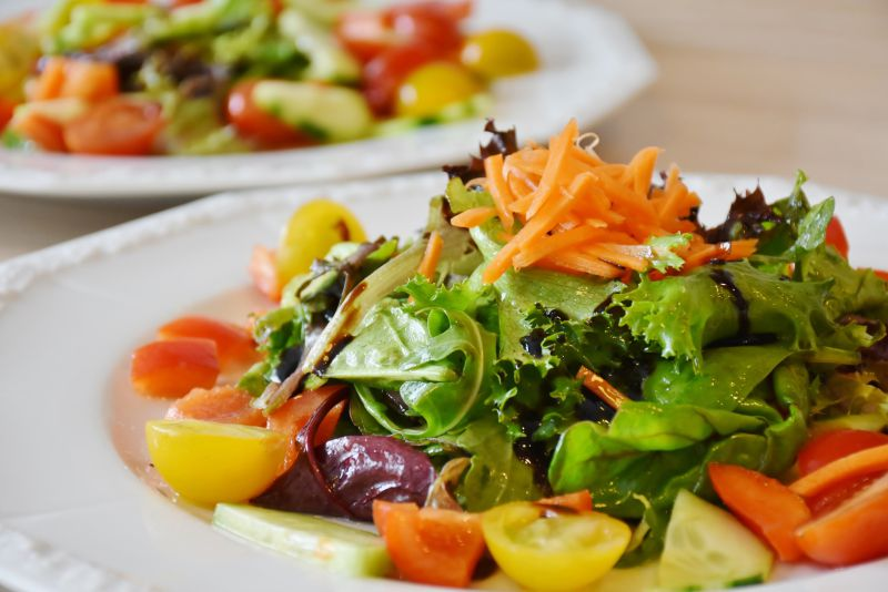 Resultado de imagem para Carne e peixe têm primazia no prato, mas a maioria já come uma refeição vegetal por semana