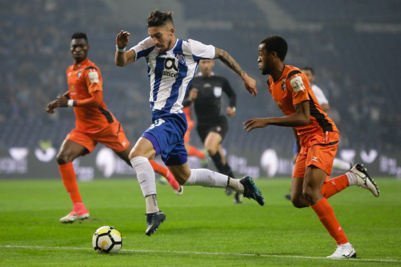 FC Porto's Alex Telles (L) in action against Portimonense's Wellington during their Portuguese Cup soccer match, held at Dragao stadium, Porto, northern of Portugal, 17 November 2017. JOSE COELHO/LUSA
