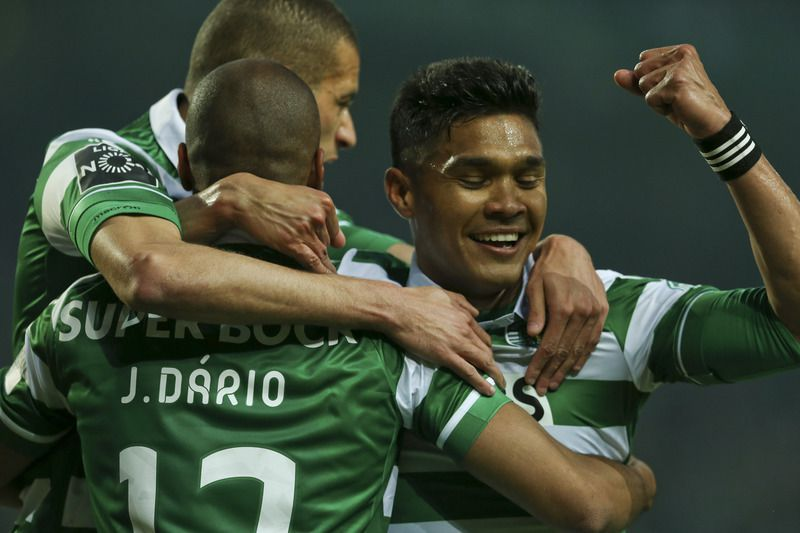 Sporting vence Arouca • Leões goleiam Arouca por 5-1 • LUSA