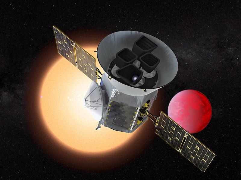 Novo 'caçador' de exoplanetas da NASA vai para o espaço na 2.ª feira com portugueses 'a bordo'