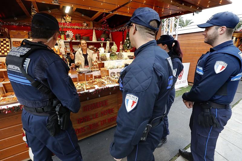 """34bb4680b2b9a Mercado de Natal de Estrasburgo reabre sexta-feira com plano de segurança  adaptado. """""""