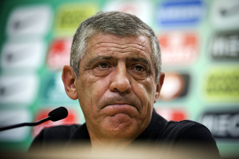 Portugal's national soccer team press conference • Portugal's national team head coach Fernando Santos attends a press conference after a training session in Cidade do Futebol in Oeiras, Portugal, 06 October 2016. Portugal will face Andorra in a FIFA World Cup 2018 qualifier match on 07th October. MARIO CRUZ/LUSA • Lusa