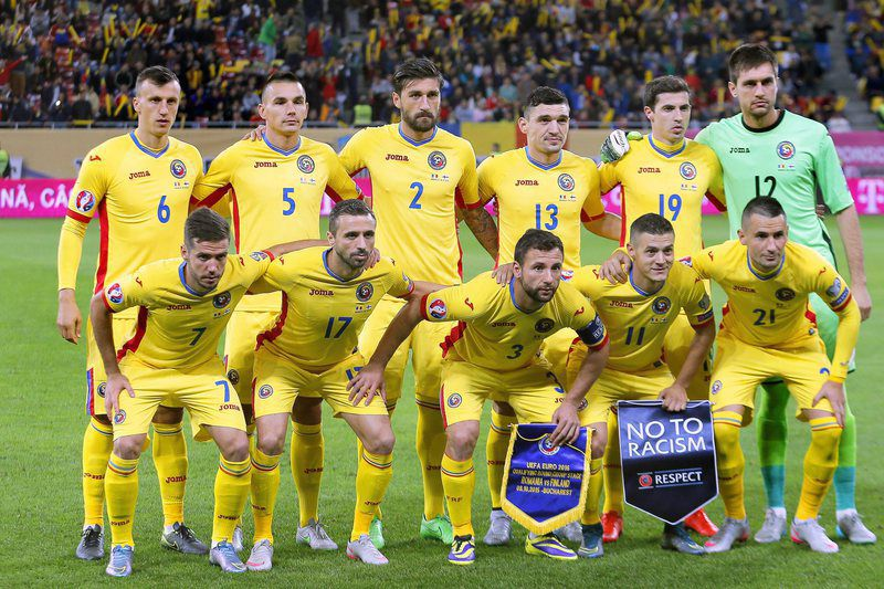 Team Romania • epa05050620 UEFA EURO 2016 TEAMS  Picture taken on 08 October 2015 of Romanian national soccer team players (front row, L-R) Alexandru Chipciu, Lucian Sanmartean, captain Razvan Rat, Gabriel Torje and Dragos Grigore; (back row, L-R) Vlad Chiriches, Ovidiu Hoban, Paul Papp, Claudiu Keseru, Bogdan Stancu, and goalkeeper Ciprian Tatarusanu before the UEFA EURO 2016 qualifying Group F soccer match between Romania and Finland at the National Arena stadium in Bucharest, Romania. Team Romania will take part in the UEFA EURO 2016 soccer championship in France.  EPA/ROBERT GHEMENT • Lusa