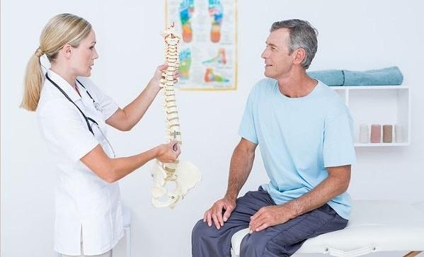 Sabia que a osteopatia trata lombalgias, escolioses e hérnias discais?