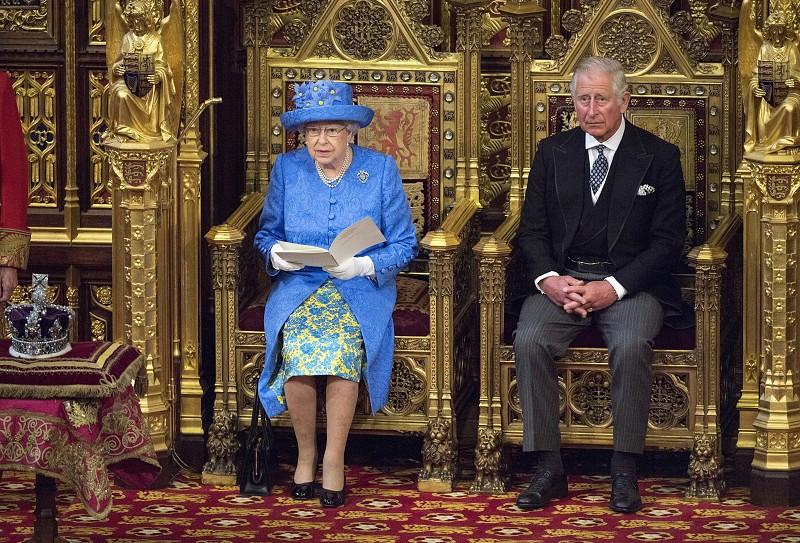 Resultado de imagem para Isabel II pede à Commonwealth que eleja príncipe Carlos como seu sucessor