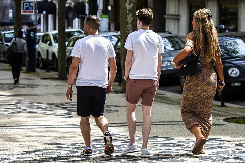 56900d2fa Jovens cada vez mais longe de atingir a classe média - Atualidade ...