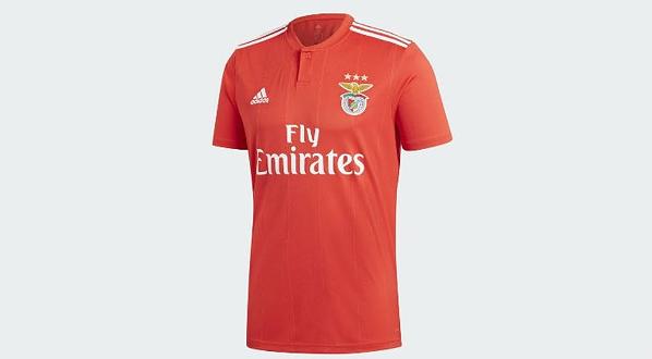 Nova camisola do Benfica já está à venda no México e no Brasil - I ... e419eaa671754