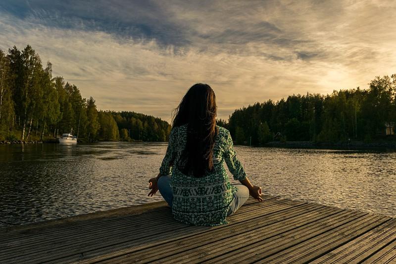 Sabia que a meditação pode enganar o caos e tornar-nos mais eficientes?