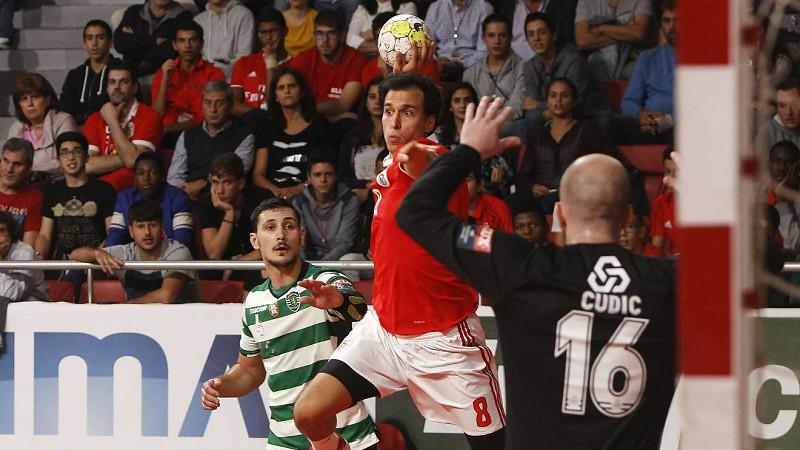 33633159a5 Sporting triunfa sobre o Benfica no dérbi do andebol - Andebol ...