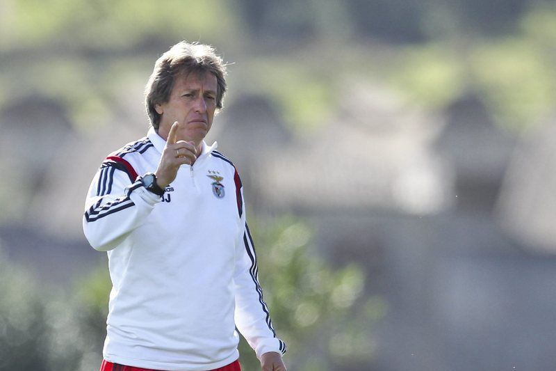 SL Benfica training session • epa04474414 SL Benfica's Portuguese head coach Jorge Jesus leads his team's training session in Seixal, Portugal, 3 November 2014. SL Benfica will face AS Monaco in the UEFA Champions League group C soccer match on 4 November at Luz Stadium in Lisbon.  EPA/MARIO CRUZ