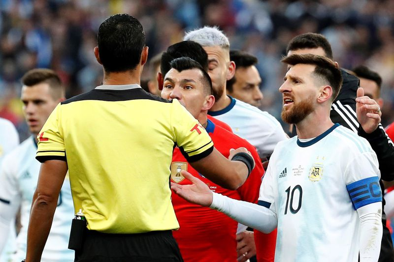 Internacional chileno 'ataca' Messi: