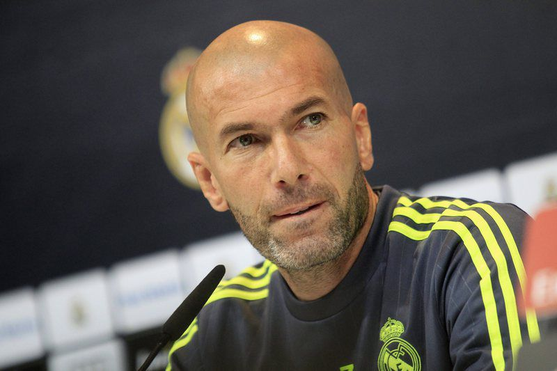 Real Madrid • epa05135027 Real Madrid's French coach, Zinedine Zidane, offers a press conference after the team's training session held at Valdebebas sports city in Madrid, Spain, on 30 January 2016.  EPA/Víctor Lerena • Lusa