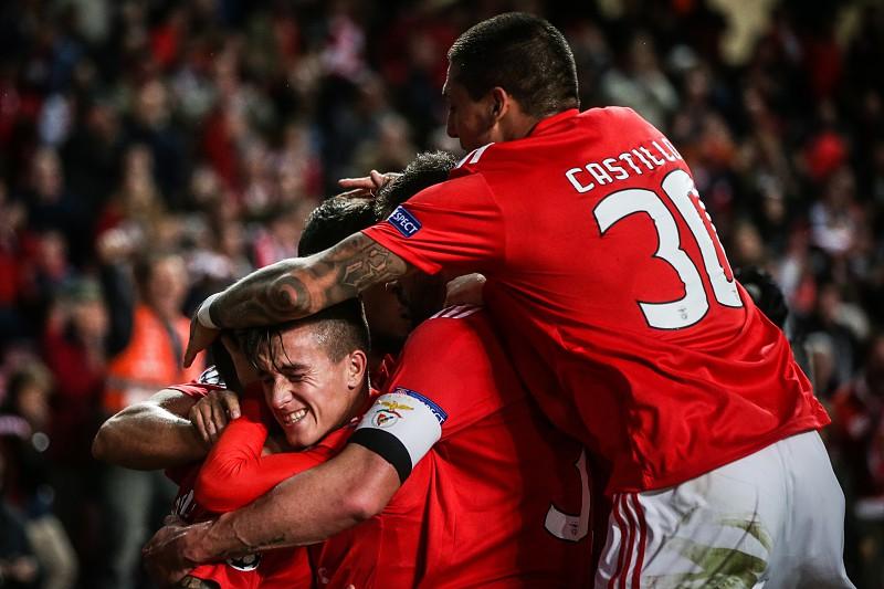 LE  Benfica e Sporting já conhecem possíveis adversários nos  16 avos .  Leões 726503efebbe5