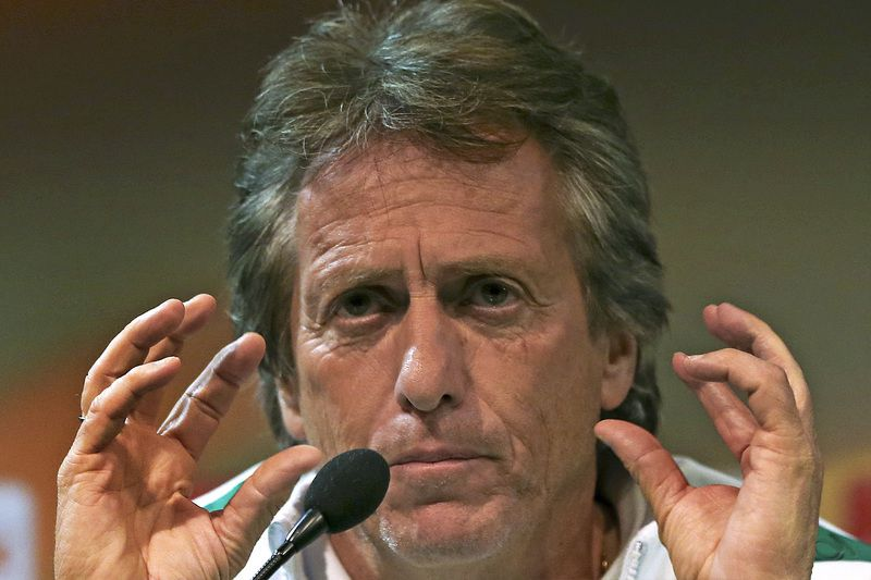 Sporting press conference • Sporting coach Jorge Jesus gestures gestures during the press conference ahead of the UEFA Europa League against albanian team Skenderbeu , 21 october 2015, at the Alvalaxia Stadium, in Lisbon to their upcoming soccer match being held tomorrow 22 October. MANUEL DE ALMEIDA / LUSA • LUSA