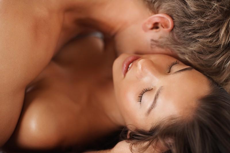 É verdade que existem dois tipos de orgasmo feminino?